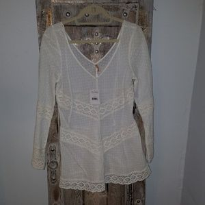 Free People 100% cotton long sleeved blouse